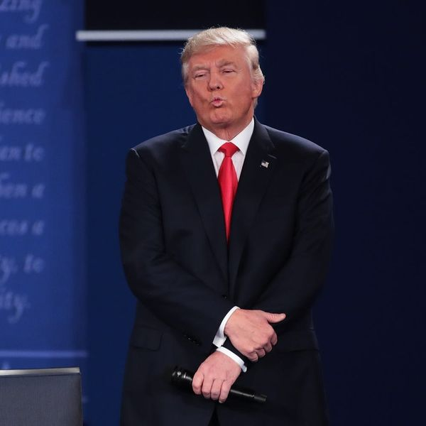 Here's Why People Are Freaking Out Over Trump's Debate Body Language