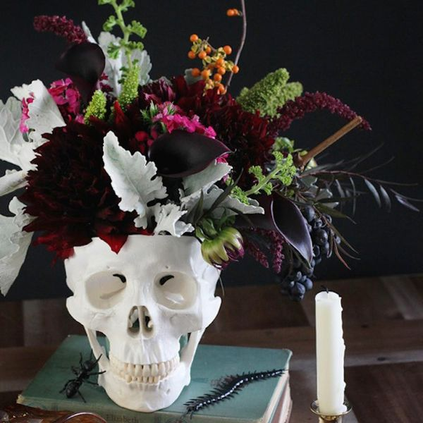 14 Spooky Chic Halloween Table Setting Ideas
