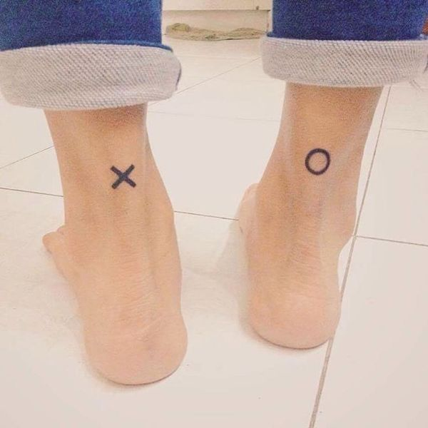 21 Minimalist Tattoos That Will Make You Want to Get Inked