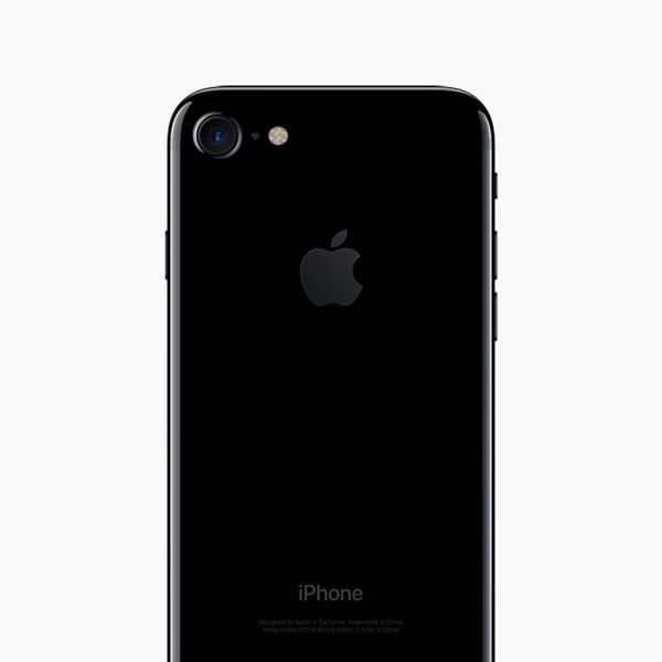Sorry, But Your Jet Black iPhone Won't Stay Shiny for Long