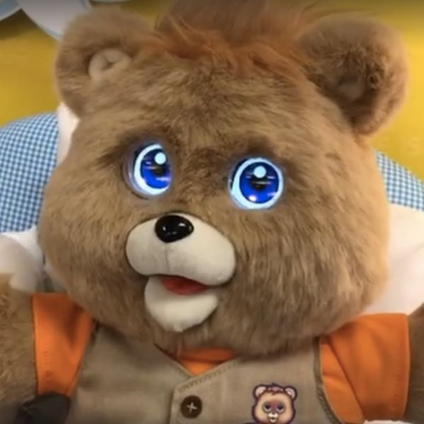 OMG: Teddy Ruxpin Bear Is Making a Comeback
