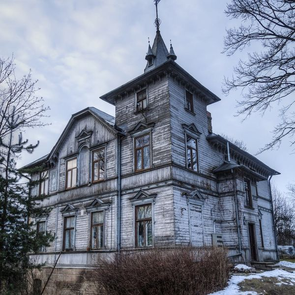 One of America's Oldest Towns Is Opening Their Most Haunted Houses for an Overnight Halloween Stay