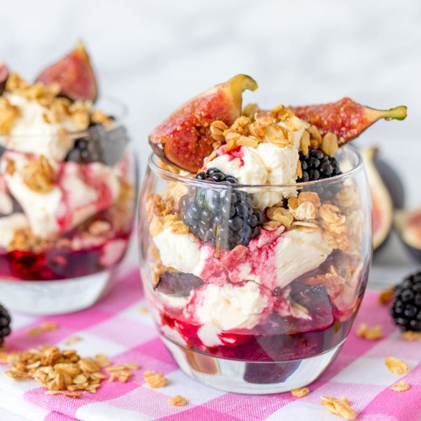 This Whiskey-Infused Blackberry and Fig Cranachan Makes the Perfect Fall Dessert