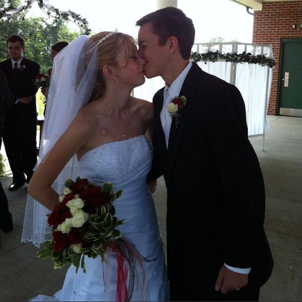 Morning Buzz: Real-Life Fault in Our Stars Couple Die Only Five Days Apart + More