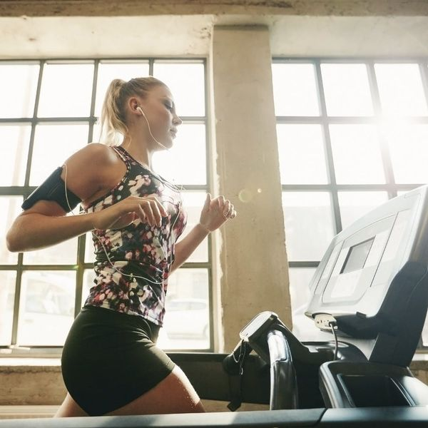 6 Trainer-Approved Treadmill Workouts That'll Mix Up Your Cardio