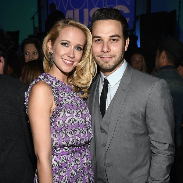 See the Adorable Pics from Pitch Perfect Stars Anna Camp and Skylar Astin's European Honeymoon