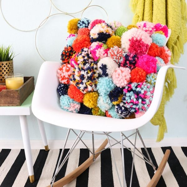 What to Make This Weekend: Pom Pom Pillows, Wood Engraved Map + More