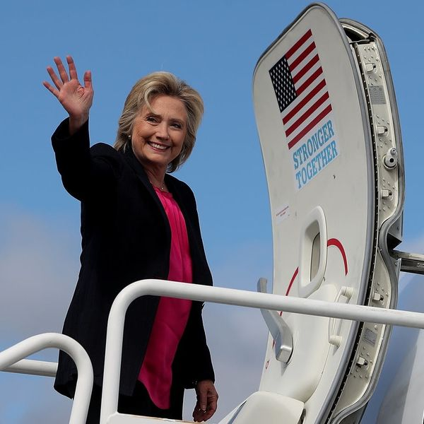 Nightly Newsy: Hillary Pushes Back, a Teen Pleas for Better Emoji + More