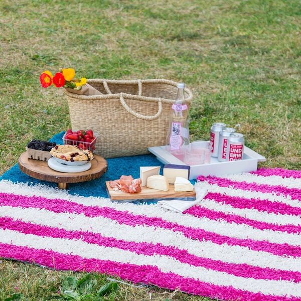 Take Your Memorial Day Picnic to a Whole New Level With This Flag Rug