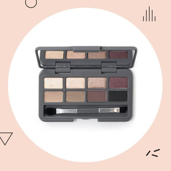 7 Travel-Friendly Eyeshadow Palettes So You Look Good On-the-Go
