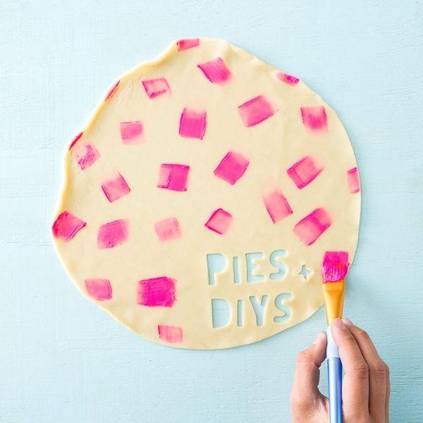 Pies + DIYs: Cinco de Mayo Piñata and Flower Crown!