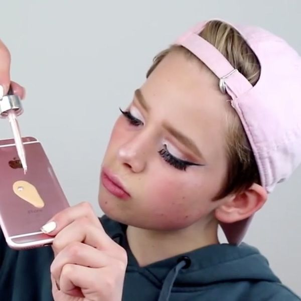 Instagrammers Are Using Their iPhones to Blend Their Makeup