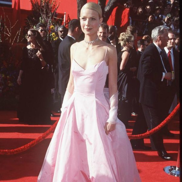 Gwyneth Paltrow's Met Gala 2017 Dress Is a Throwback to Her Most Iconic Look
