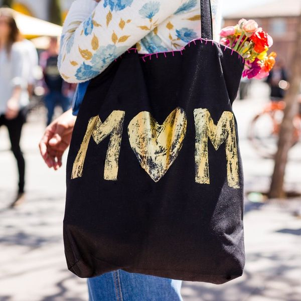 Personalize a Thoughtful Tote for Mom in Under 30 Minutes