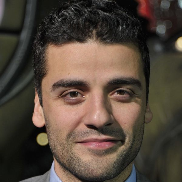 Make a Toast: Oscar Isaac Is Officially a Daddy!