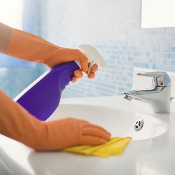 How to Clean Your Toilet in Just 3 Minutes