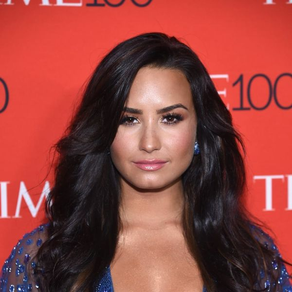 Demi Lovato Just Got a New Tattoo… on Her Hand!