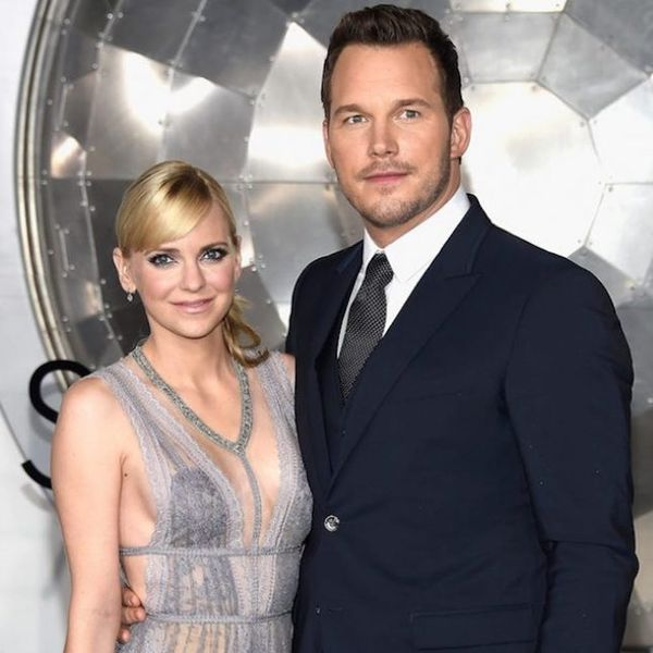 Anna Faris Gets Hilariously Handsy With Chris Pratt on the Red Carpet