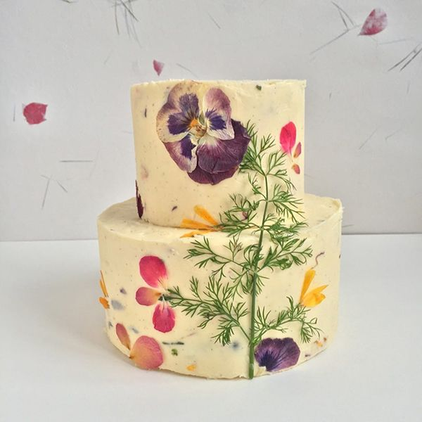 These Edible Flower Wedding Cakes Are Next-Level Gorgeous