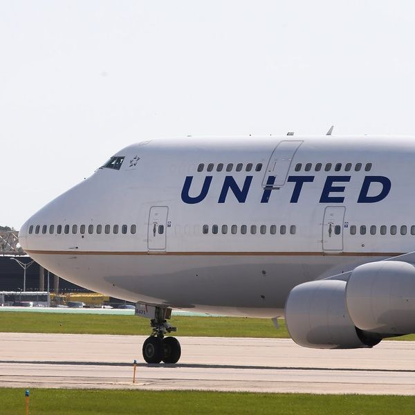 Twitter Has Mixed Feelings About Who's to Blame in United's Latest Passenger Scandal