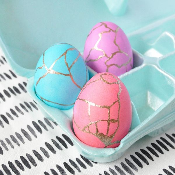 Add a Pop of Gold to Easter With These DIY Kintsugi-Inspired Eggs