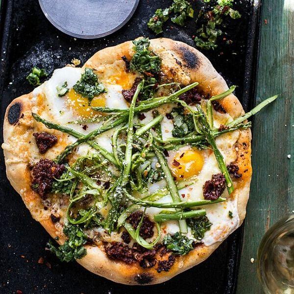 14 Pretty Pizza Pie Recipes That Boast Spring Produce
