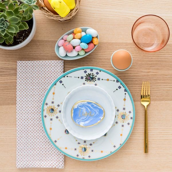Make a Two-in-One Place Card Jewelry Dish Holder With This Easter DIY