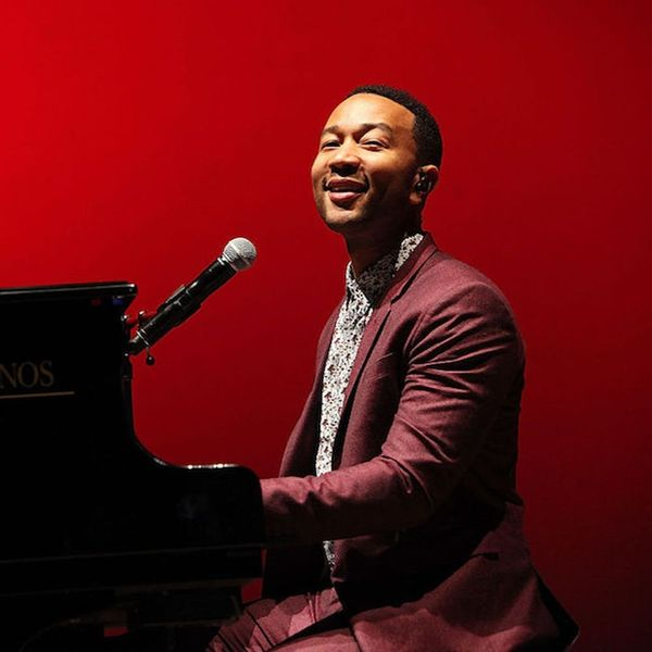 Morning Buzz! Watch the Moment John Legend Surprised Commuters With a Surprise Train Station Performance + More