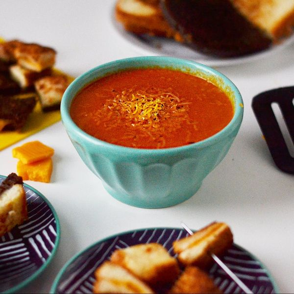 Wow Your Dinner Party Guests With This Grilled Cheese Fondue Recipe