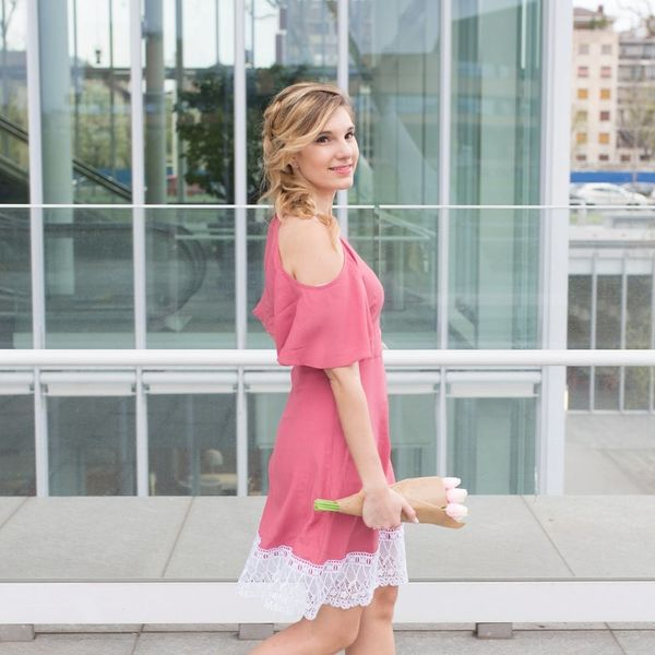The Flirty Lace Dress Hack You Need to Get Ready for Vacay