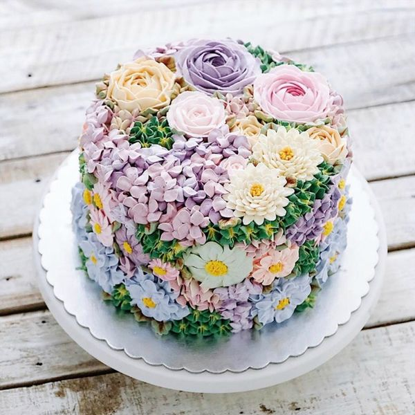 Spring Has Sprung! — and Instagram Is Bursting Out in Buttercream Flowers