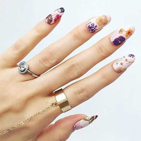 11 Pressed Flower Manicures That Will Become Your Spring Obsession