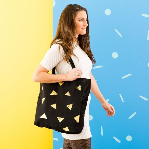 10 Easy Ways to Add Instant Flair to Your Bag for Spring