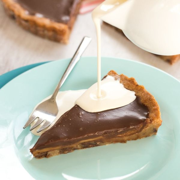 This 5-Ingredient Chocolate Cookie Butter Pie Recipe Will Satisfy Your Biggest Chocolate Craving