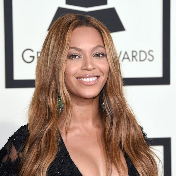 Morning Buzz! Beyoncé Might Be Dropping Sneaky Clues About the Sex of Her Twins In These New Pics + More