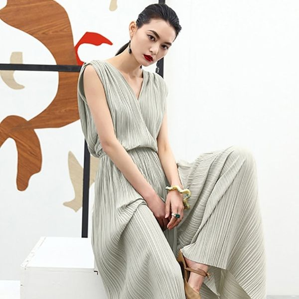 11 Jaw-Dropping Jumpsuits to Rock at Every Event This Spring