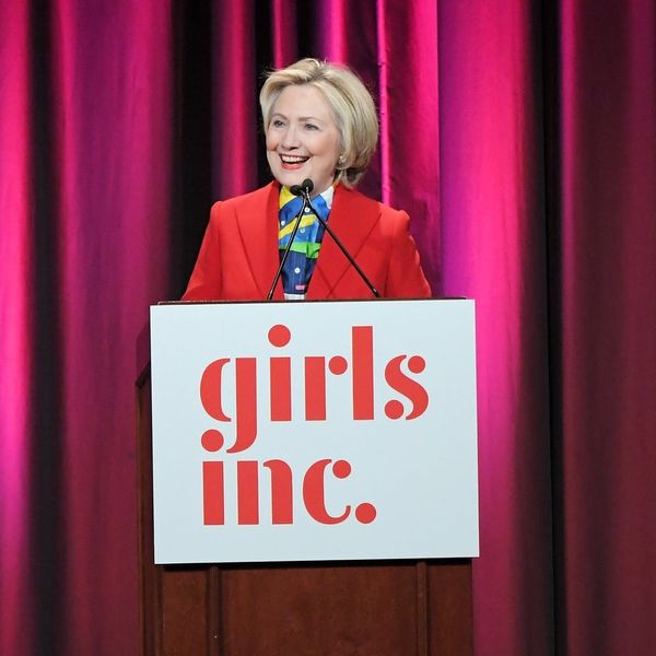 Hillary Clinton's Pantsuit for International Women's Day Did Not Disappoint