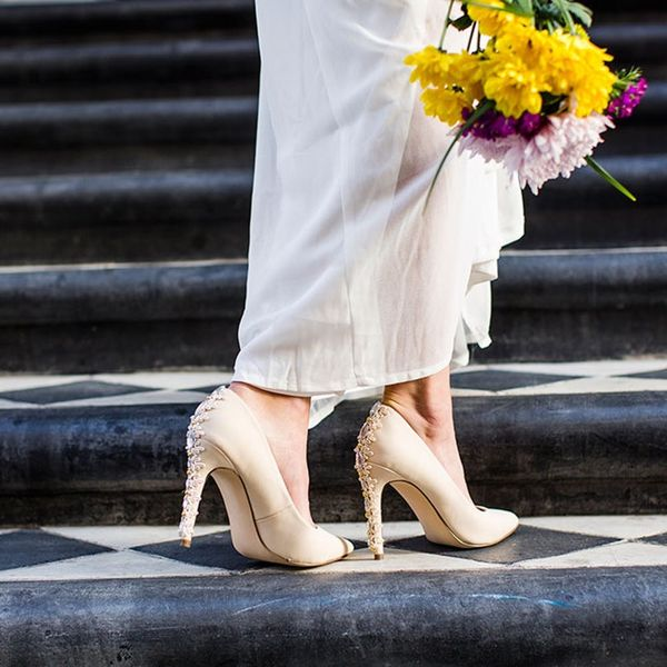 2 Quick + Easy DIY Ways to Customize Your Wedding Day Heels