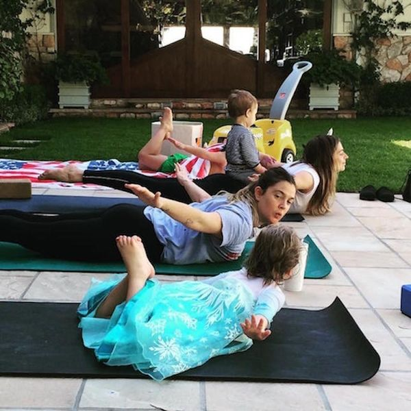 Morning Buzz! Drew Barrymore Doing Yoga With Her Daughter Is Picture-Perfect Mother-Daughter Bonding + More