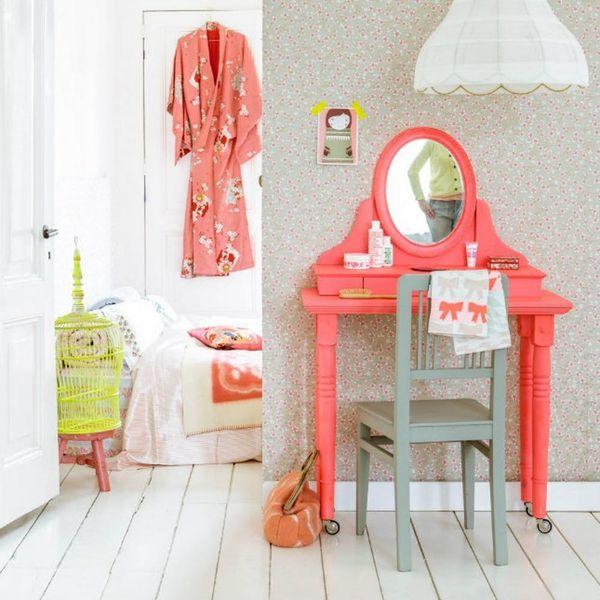 21 Vanity Tables Beauty Junkies Will LOVE