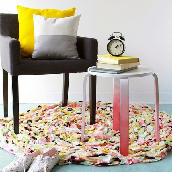 Make Over Your Home With These 23 DIY Rugs