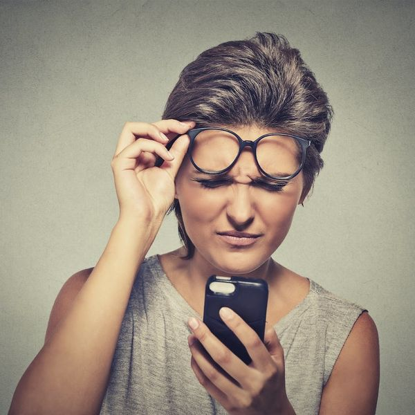 6 Ways to Save Your Eyesight When Using Your iPhone