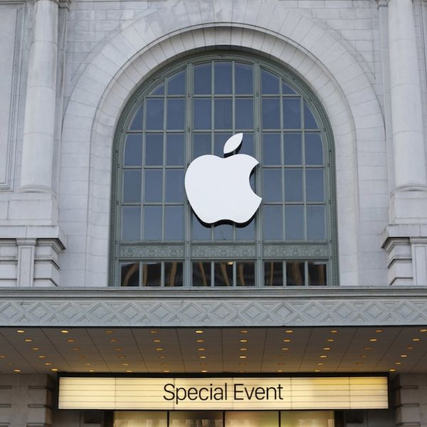 Live Blog: Here's Everything Unfolding at Apple's 2016 March Event