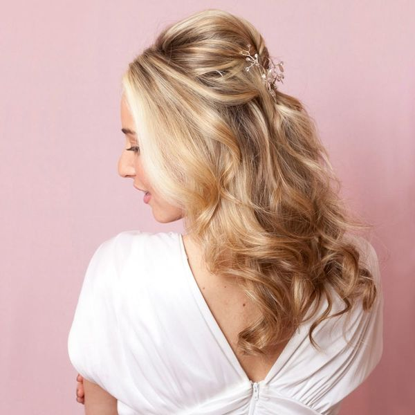 The Easy Vintage Wedding Hairstyle Modern Brides Will Love
