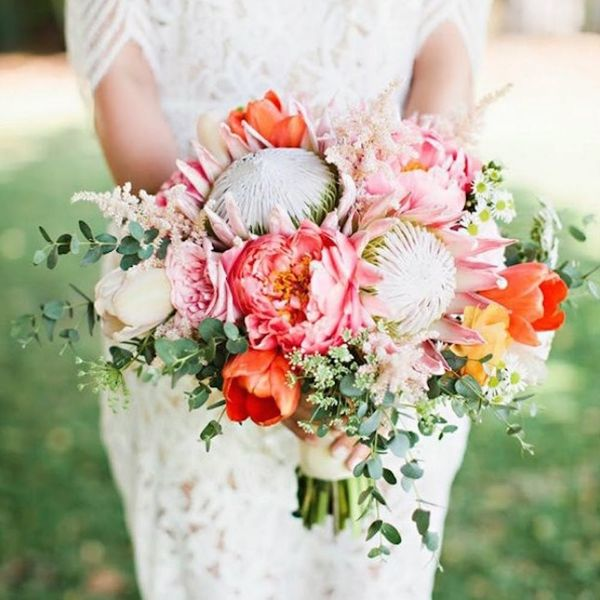 17 Gorgeous Peony Wedding Bouquets for Your Spring Nuptials