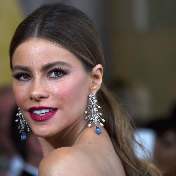 Sofia Vergara Brought Back Your Fave Junior High Beauty Product at the Oscars