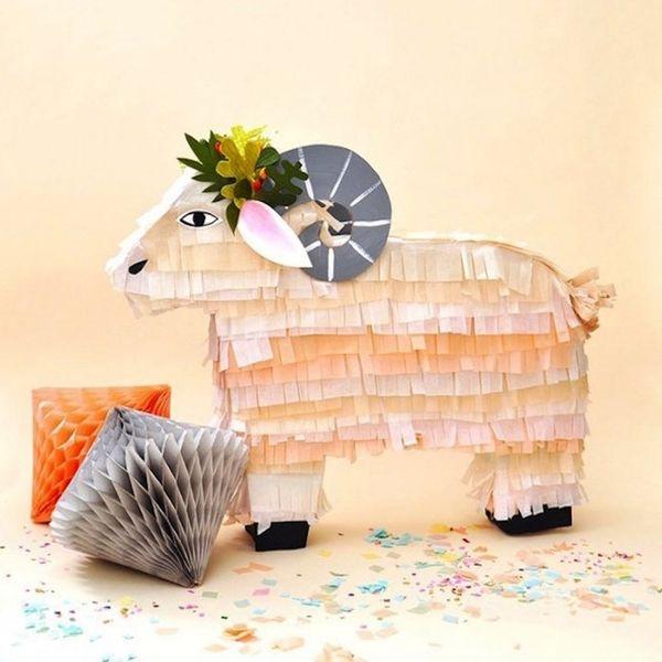 What to Make This Weekend: Shibori Napkins, Zodiac Piñatas + More