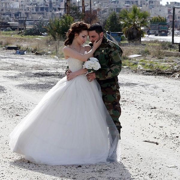 These Syrian Wedding Photos Are Going Viral for a Very Important Reason