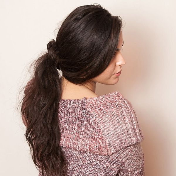 How to Hack a Ponytail Without an Elastic