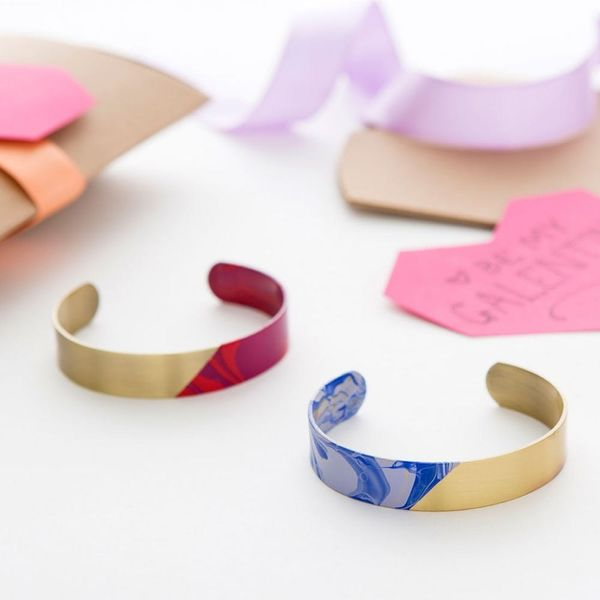 Make This Easy Marbled Jewelry for a Galentine's Day Gift